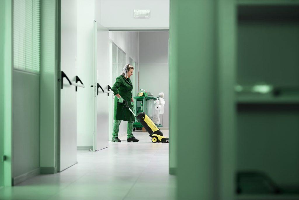 limpiadora-especializada